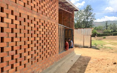 "Prototype Village House; Brick Award 2020 Category ""Living Together""; Architects: MIT Rwanda Workshop Team, Photo: Rafi Segal, Monica Hutton, Andrew Brose"